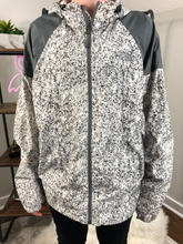 Load image into Gallery viewer, Northface Rain Jacket Size Medium