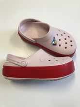 Load image into Gallery viewer, Crocs Womens 8