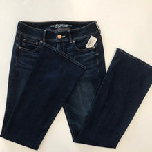 Load image into Gallery viewer, American Eagle Flare Denim Size 9/10