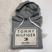 Load image into Gallery viewer, Tommy Hilfiger Sweatshirt Size Extra Large
