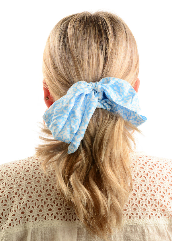 Hair Scrunchie / Sky Blue