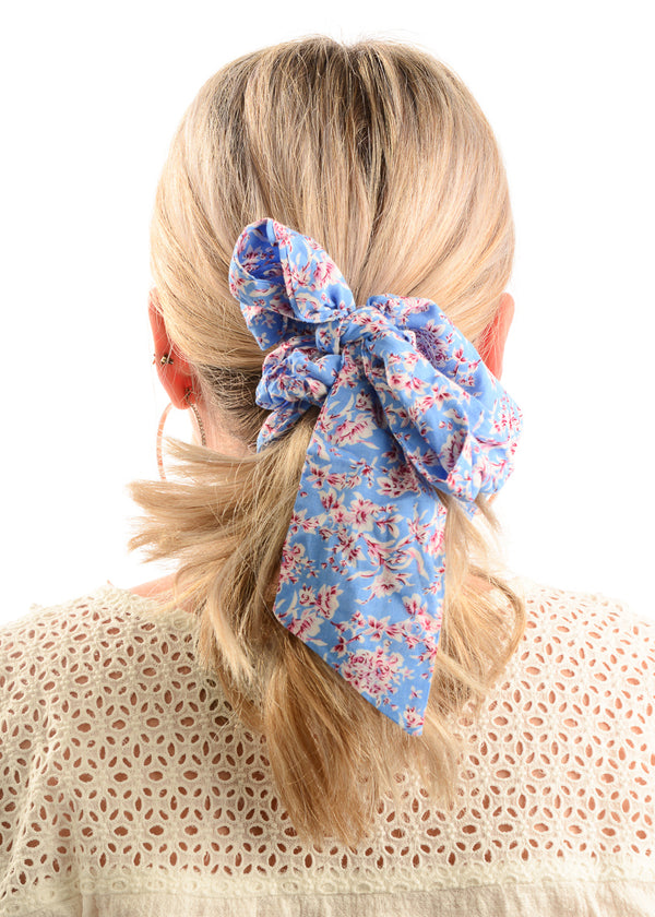 Hair Scrunchie / Powder Blue