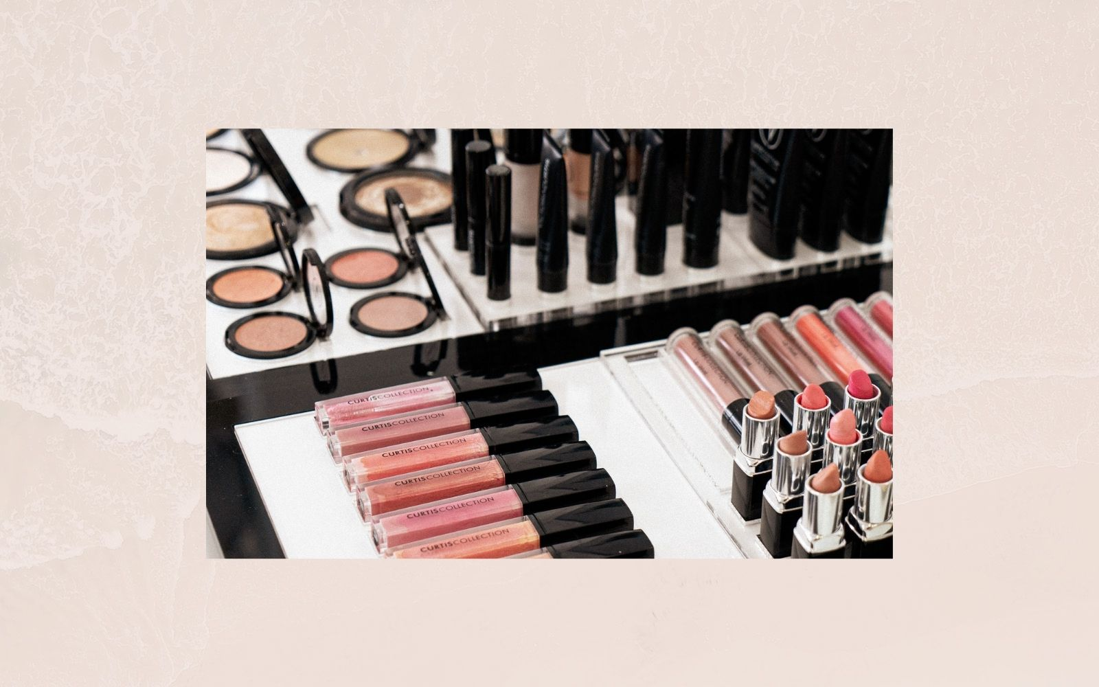 Non-comedogenic makeup for performers