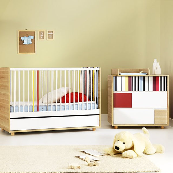 Evolve Convertible 3-in-1 Crib/Youth Bed - Give Wink