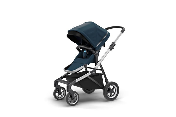 Thule Sleek Stroller. Strollers. Miami Give Wink Baby Store - Navy Blue