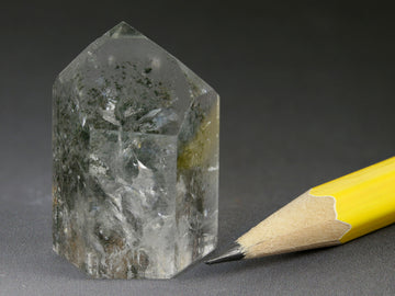 Chlorite phantoms in rock crystal