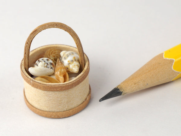 Al Chandronnait egg basket with tiny sea shells