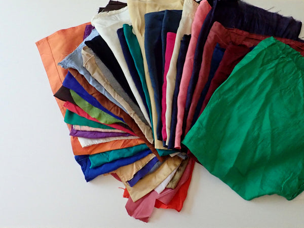 Recycled silk from garments