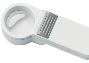 Mobilux Economy - circular 7X magnifier housed in white PXM plastic with handle