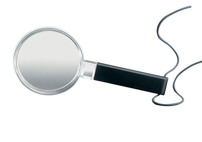 Circular magnifier with black handle