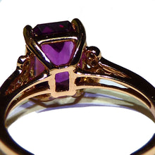 Load image into Gallery viewer, Color change garnet and diamond ring 14k gold