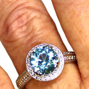 Diamond platinum ring with natural Brazilian Aquamarine
