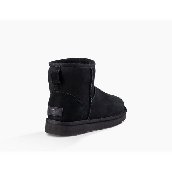 Ugg - Skor - W Classic Mini || (Black) - Thernlunds