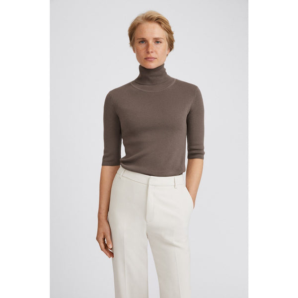 Filippa K - Topp - Merino Elbow Sleeve Top (8934 Dark Taupe) - Thernlunds