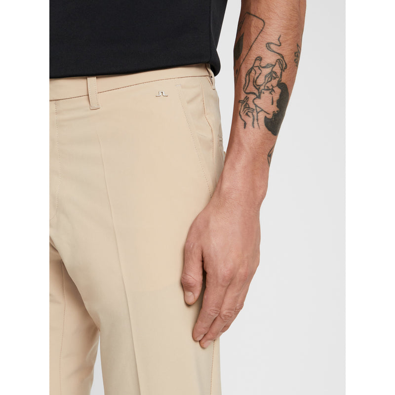 J.Lindeberg - Byxa - M Ellott Tight Micro Stretch (1679 Safari Beige) - Thernlunds