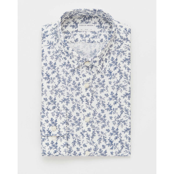 Tiger of Sweden - Pikétröja - Ferene Shirt (2Y3 Airy Blue) - Thernlunds