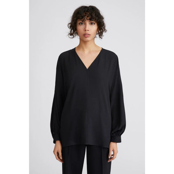 Filippa K - Blus - Riley Blouse (1433 Black) - Thernlunds