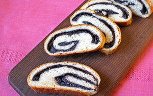 Poppy Seed Roll (Makowiec) (pronounced Mah-KOH-vyets)