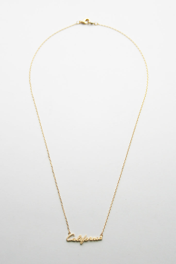 California Cursive Dainty Nameplate Necklace: Yellow Gold