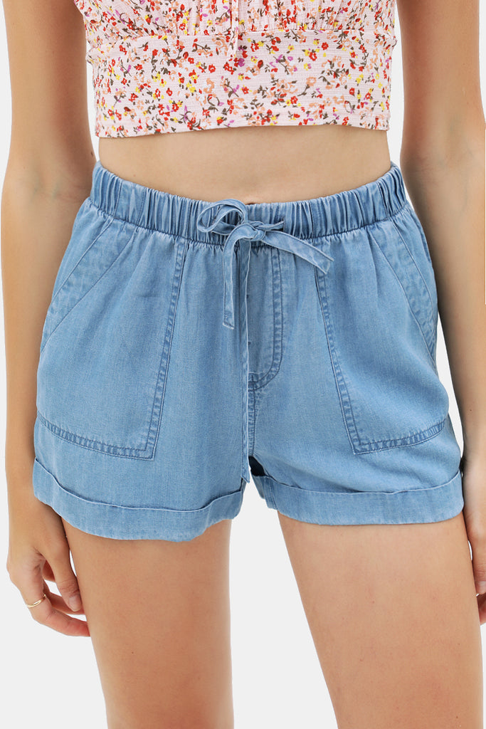 Easy Peasy Fold Hem Short In Soft Denim