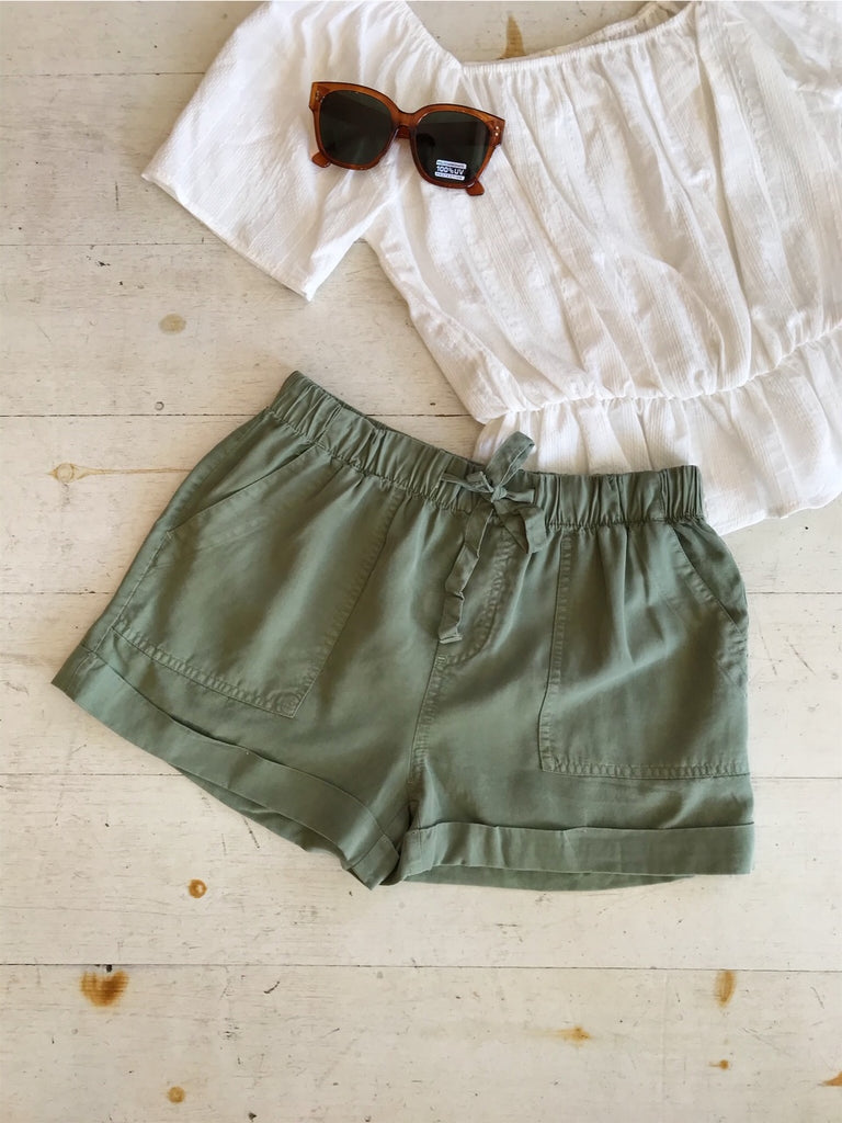 Easy Peasy Fold Hem Short In Olive
