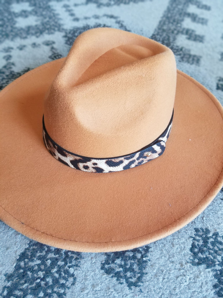 In the Mix Leopard Detailed Hat In Natural