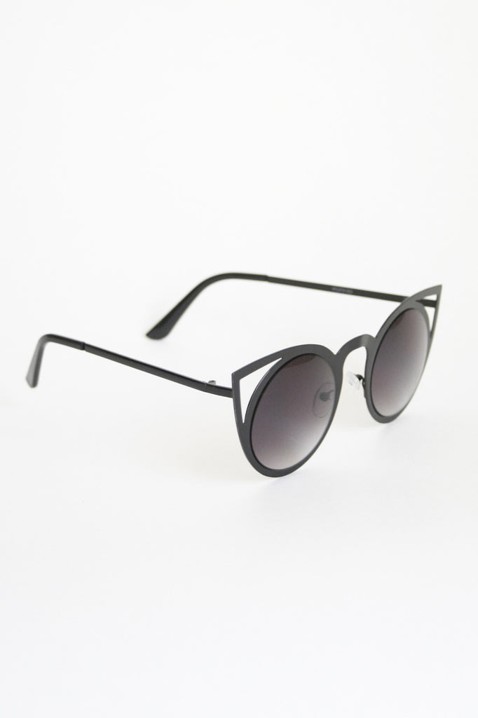 Metal Cat-Eye Sunglasses: Black/Smoke