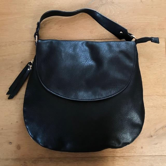 Uptown Girl Vegan Leather Tote In Black