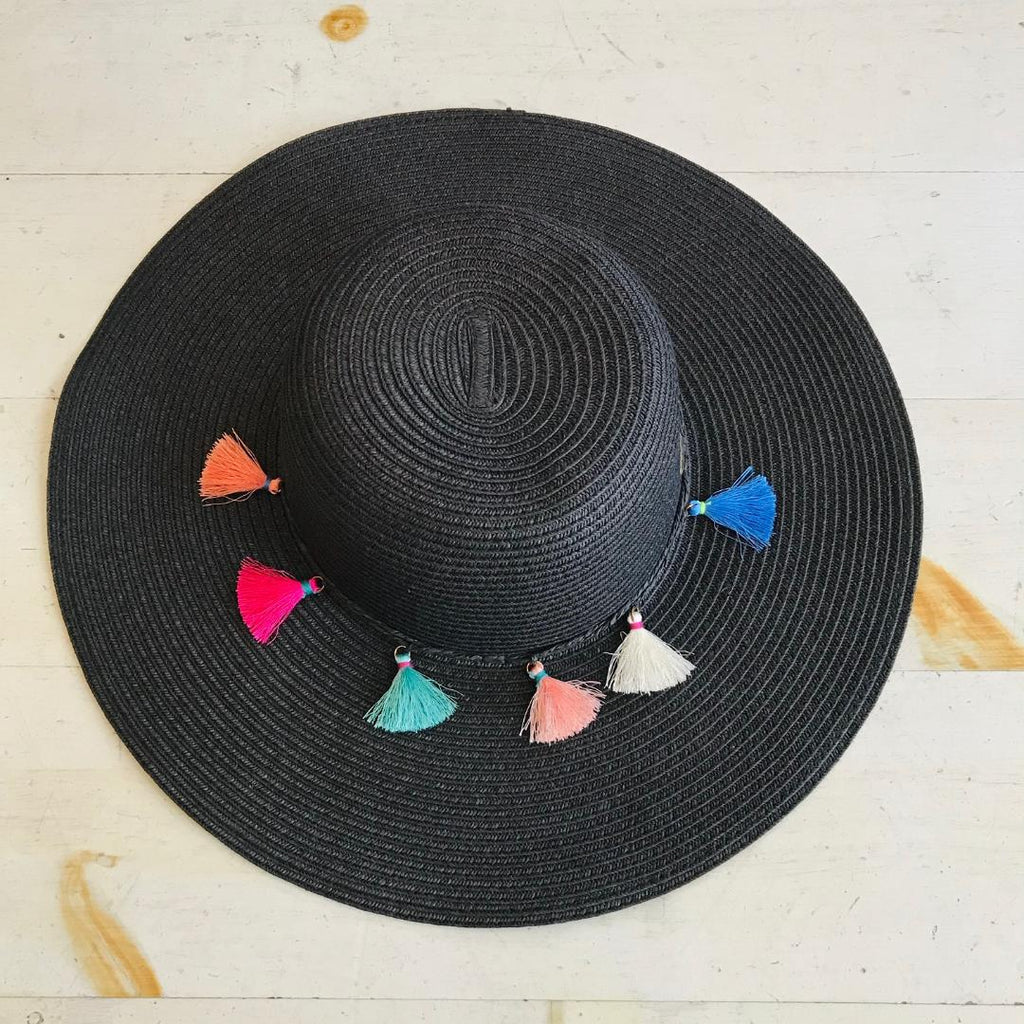 Fringe Detailed Woven Straw Hat In Black