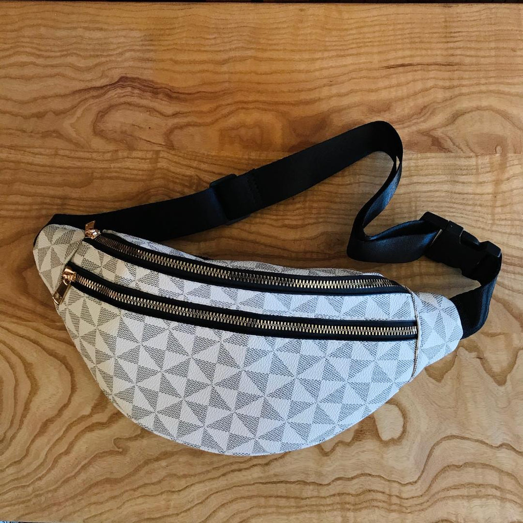 Day Tripper Geo Fanny-Pack Purse in Monochrome Ivory Grey