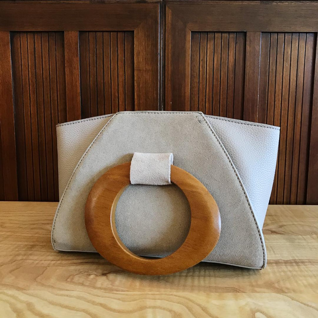Retro Vibes Wooden Handle Purse in Taupe