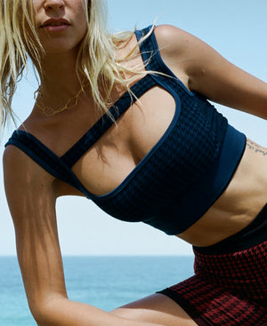 HOUNDSTOOTH T BAR CROP