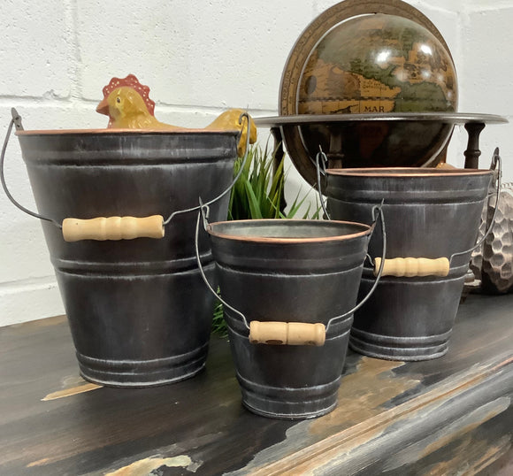 Metal Pots with Handle