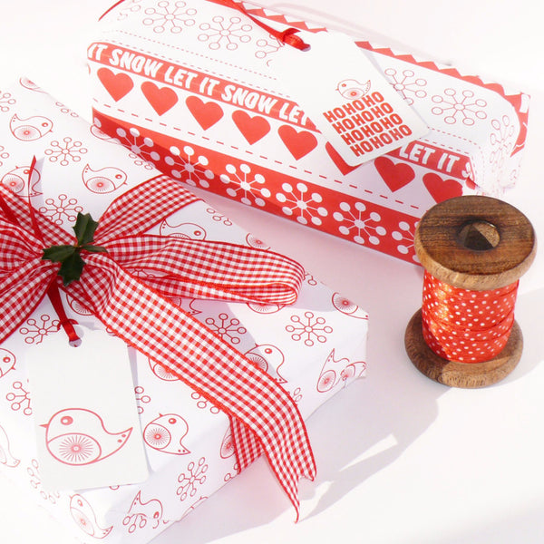 Robins and Ribbon Christmas White Gift Wrap Set
