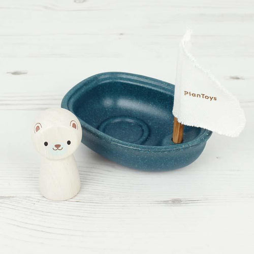 Polar Bear Sailing Boat - souzu.co.uk