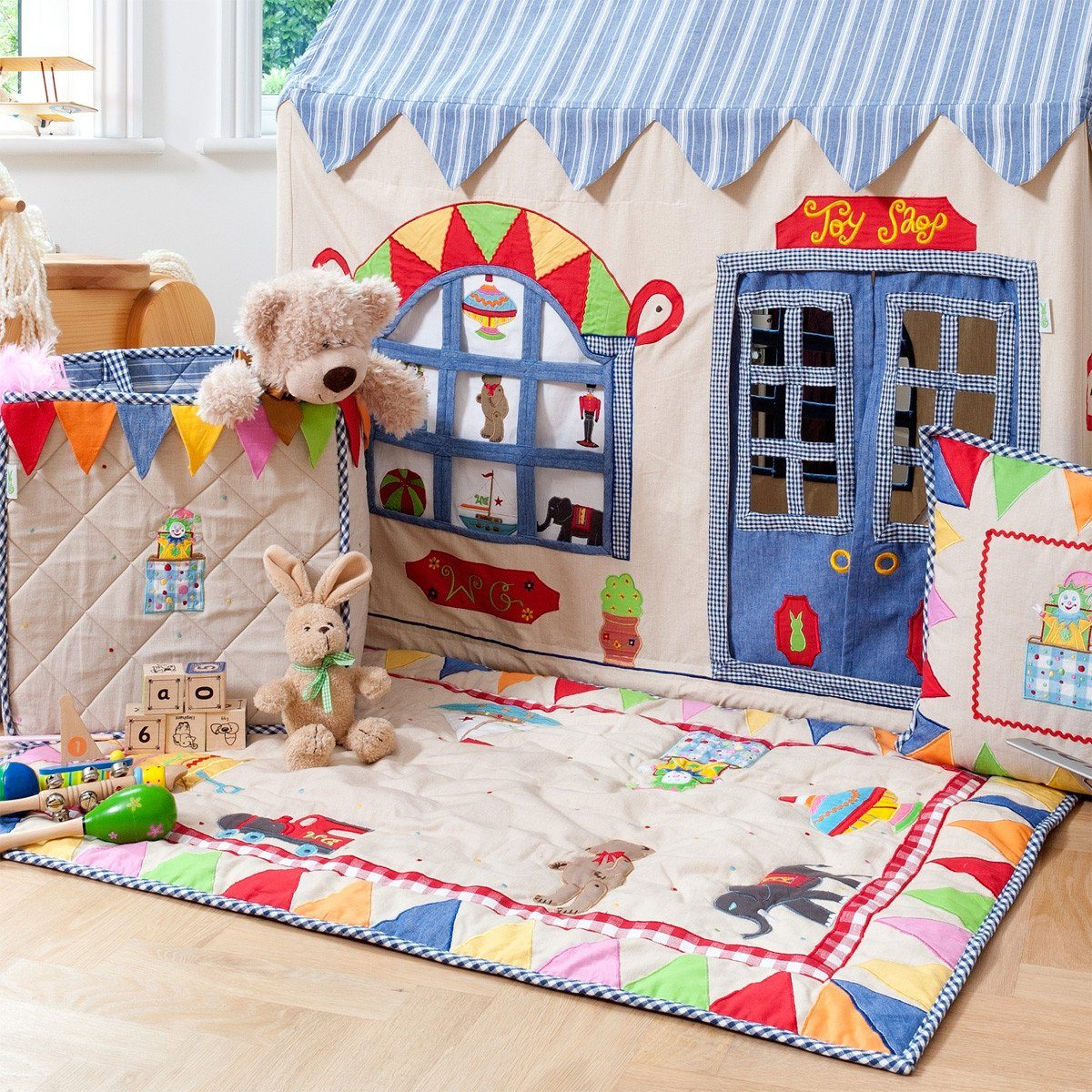 Toy Shop Cottage Floor Quilt