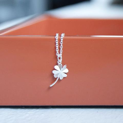 clover necklace - silver
