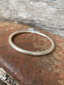 Round Hollow Bangle