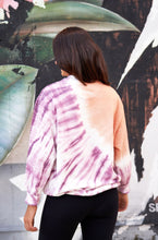 Laden Sie das Bild in den Galerie-Viewer, Batik Sweater Omlala Monkeymind