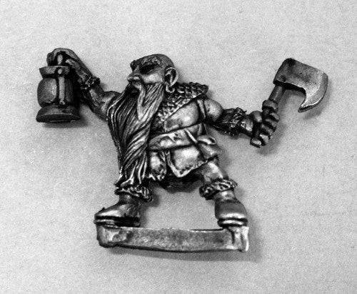 DWM015 Dwarf Tunnel Guide lantern bearer