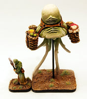 VNT39 Air Squid and Handler - 90mm tall two model set