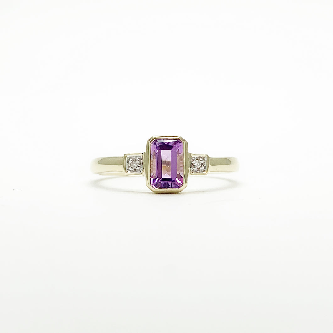 Yellow Gold Amethyst & Diamond Ring