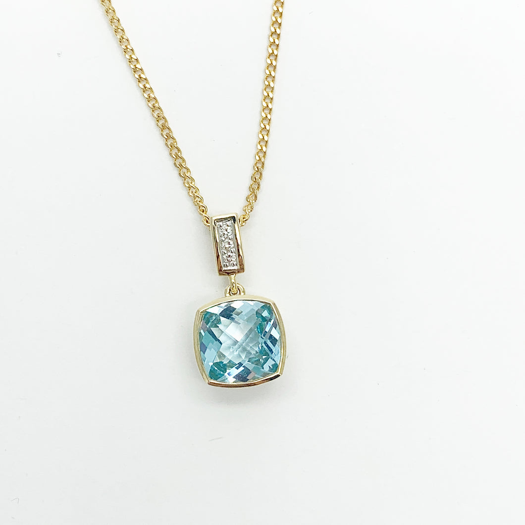 Yellow Gold Blue Topaz Pendant