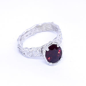 Rhodolite and sterling silver handmade ring. Gem division contemporary jewellery, organic style, one off