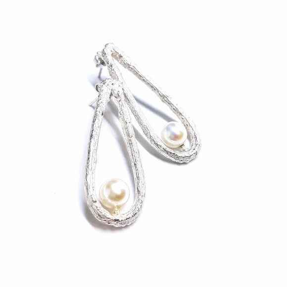 Creamy cultured pearls earrings with reticulated sterling silver teardrops, gem division contempoeary jewellery, artisan, handmade, wellington new zealand