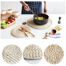 Load image into Gallery viewer, Round Rattan Coasters