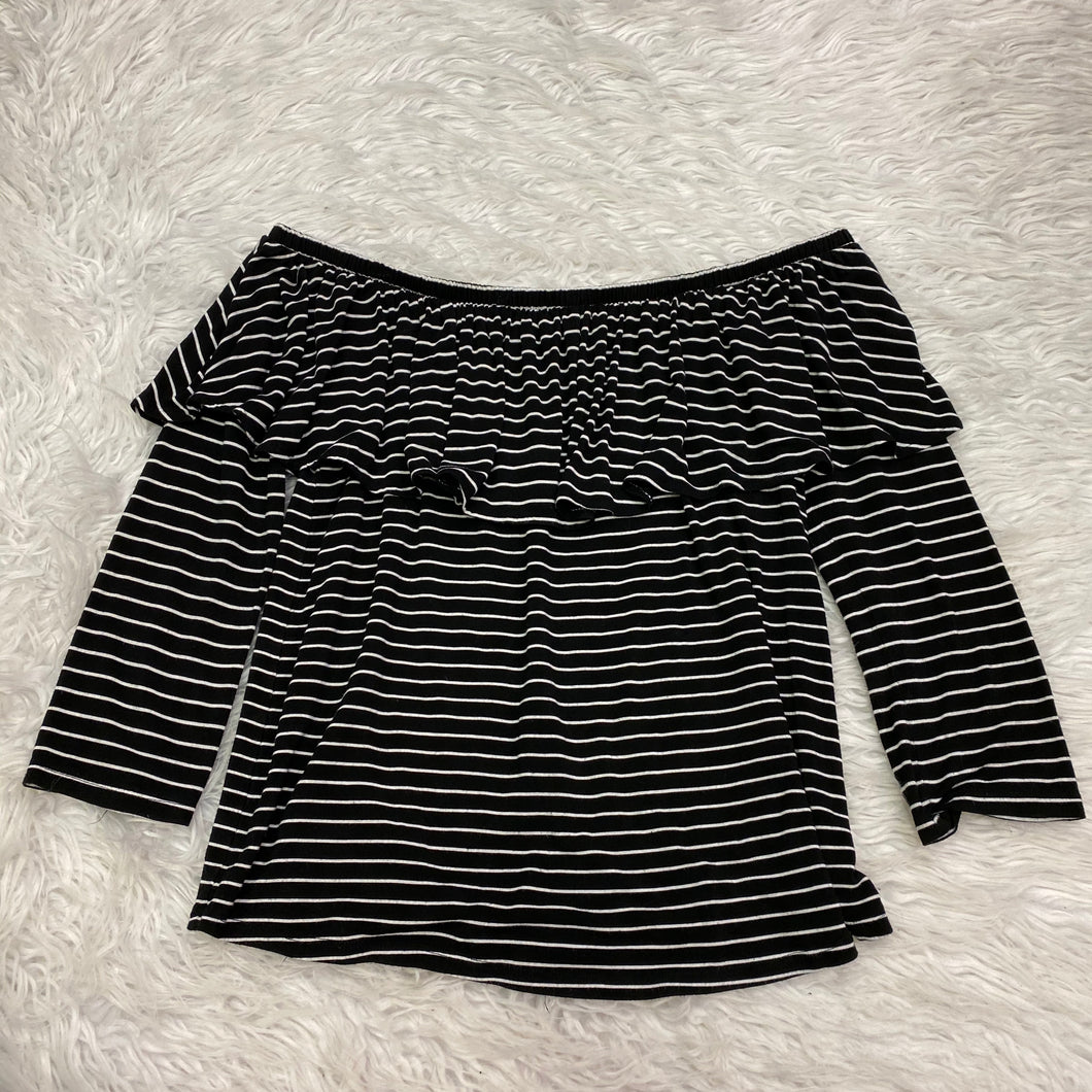 American Eagle Long Sleeve - Medium