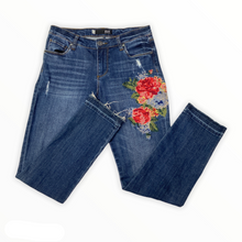 Load image into Gallery viewer, Kut Denim Size 2 (26)