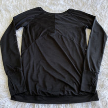 Load image into Gallery viewer, Athleta Long Sleeve - Extra Small