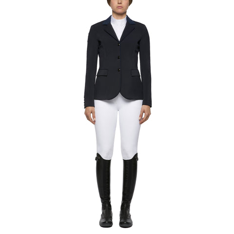 Cavalleria Toscana's Perforated GP show jacket is back for the summer. This CT show jacket has the same beautiful tailoring as the GP jacket with perforated sides back and rear of sleeve to give increased breathability.  A great Jacket for the summer shows!